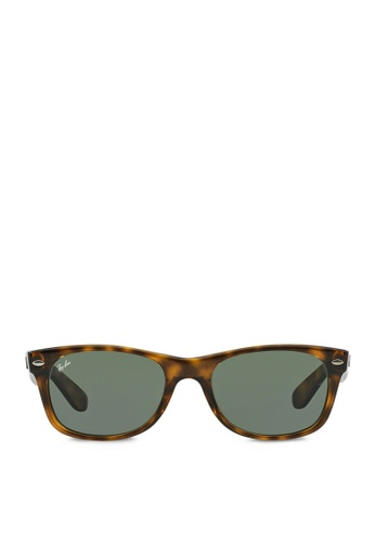 Ray-Ban New Wayfarer  RB2132 Sunglasses RA370GL02RXXSG_1