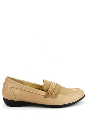 Cardam's Lifestyle beige Pansy Loafers CA993SH09AOCPH_1