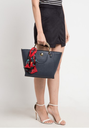 Les Catino multi and navy Paris St.Honore Uh Satchel E5C8CACD42624EGS_1