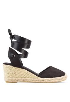 【ZALORA】 Play Ariana 拼色帆布麻編楔型跟繫帶涼鞋