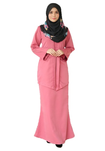 Kebaya Che Siti (Dusty Pink) from Ms.Husna Apparel in Pink