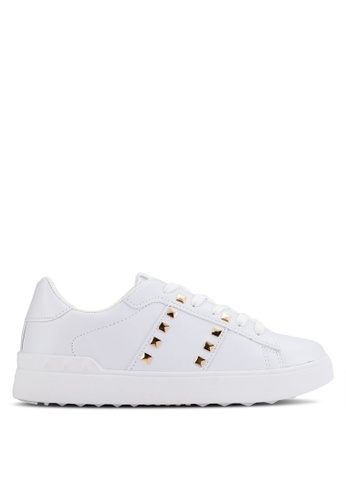 Crystal Korea Fashion / Crystal Korea Fashion Sneakers With Studs / White