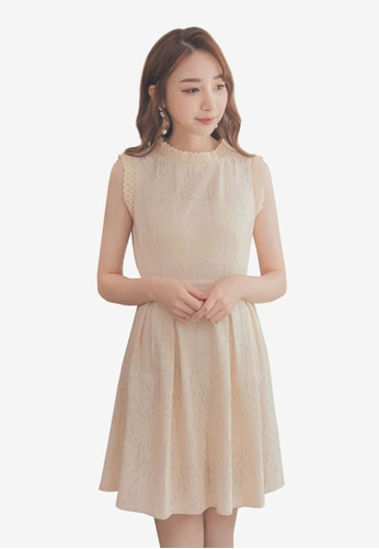 Yoco beige Lace Sleeveless Dress 872A8AA62F68C8GS_1