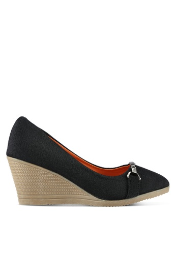 Spiffy black Shiny Textile Wedges With Buckle Detail SP352SH0RNNGMY_1