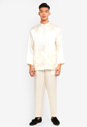 Gene Martino beige Traditional Baju Melayu 6AA6CAA8980629GS_1