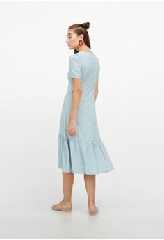 0c502a40078d0 QLOTHE Claudette Ruffle Hem V-neck Dress S  49.00. Sizes XS S M L