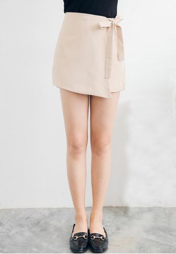 Shopsfashion beige Wrapped Shorts in Beige SH656AA39ZNOSG_1