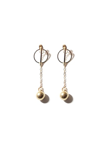 FAWNXFERN gold Elvira Chain Drop Earrings in Gold BDC35ACEDE9420GS_1