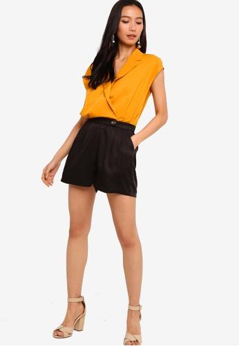 ZALORA 黑色 and 橘色 Sleeveless Lapel Collar Playsuit 73644AAC92CECAGS_1