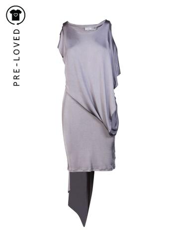 Alexander Mcqueen grey Pre-Loved alexander mcqueen Grey Batwing Dress 8413BAA14B0843GS_1