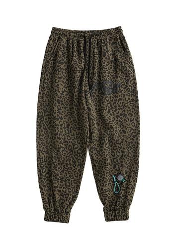 Twenty Eight Shoes Leopard Printed Leggings 3287W20 50976AA0AA13F2GS_1