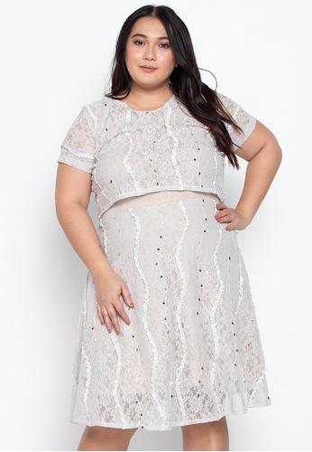 Plus Vera Floating Lace Dress
