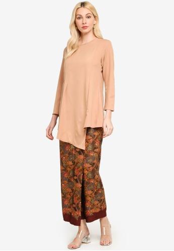 Aqeela Muslimah Wear beige Asymmetric Batik Kurung 3B74CAADE2CD31GS_1