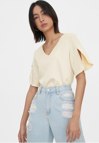 Pomelo beige Slit Sleeves V Neck Bodysuit - Cream C1A74AA9D9491AGS_1
