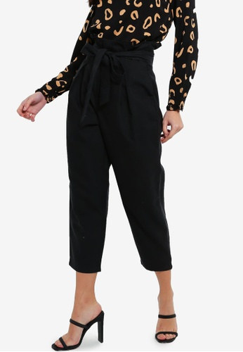 ZALORA 黑色 Paperbag Cropped Pants 28F5EAA8AF6DFCGS_1