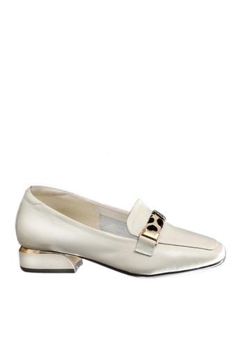 Twenty Eight Shoes 白色 頭層牛皮豹紋裝飾扣高面鞋 VL8931 C4B54SH8436845GS_1