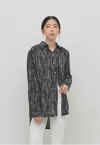 We Enjoy Simplicity black Painted Stripe Collar Blouse (Black) 668B0AA710B7B0GS_1