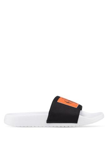 Calvin Klein 黑色 Chloe 涼鞋 B78A6SHB39F741GS_1