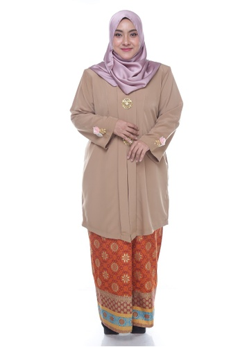 Nayli Plus Size Gold Kebaya Labuh from Nayli in Orange and Gold