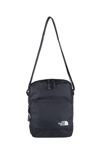 7b47849f9e8b Buy The North Face TNF Woodleaf TNF Black TNF White Online on ZALORA ...