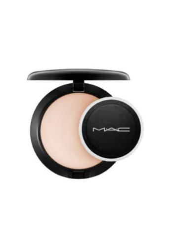 MAC MAC Blot Powder / Pressed (Medium) CAC45BE17DDA01GS_1