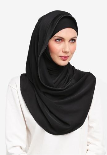 Ilham Echenta for ZALORA black Organza Lining Aulia Satin Hijab IL554AA0SY2PMY_1