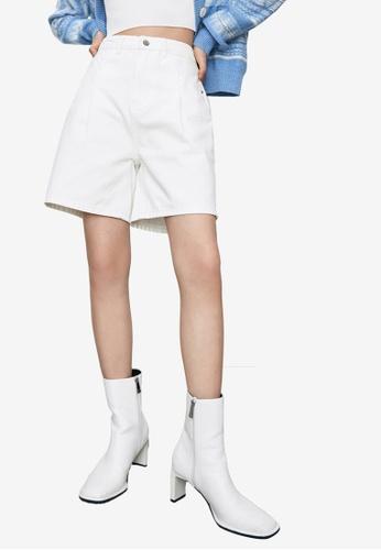 URBAN REVIVO white Women's Shorts 52003AA9D7DB2EGS_1