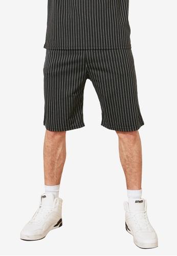 Trendyol black Regular Fit Striped Shorts 37F23AA0993740GS_1