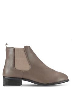 【ZALORA】 經典切爾西側彈性帶短靴