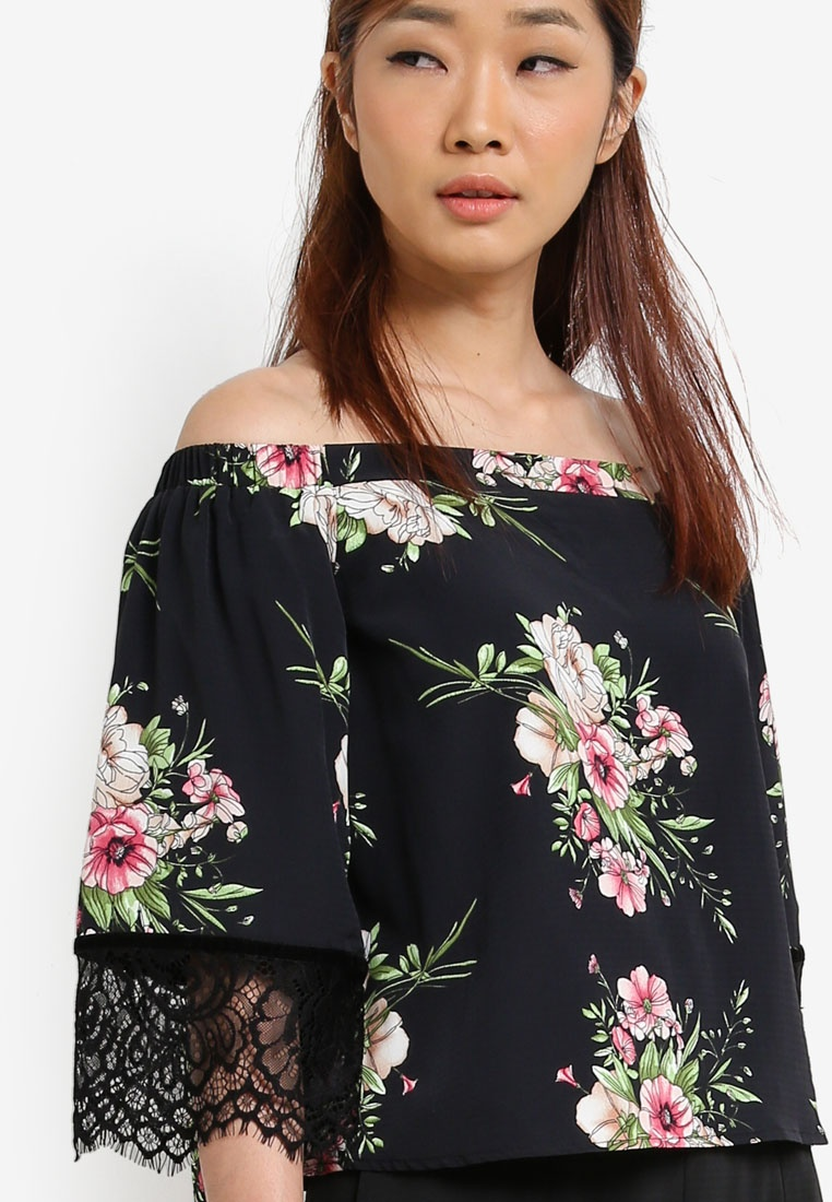 Print Lace Shoulder Paneled Black Borrowed Off Floral Something Top vqwx85ZC