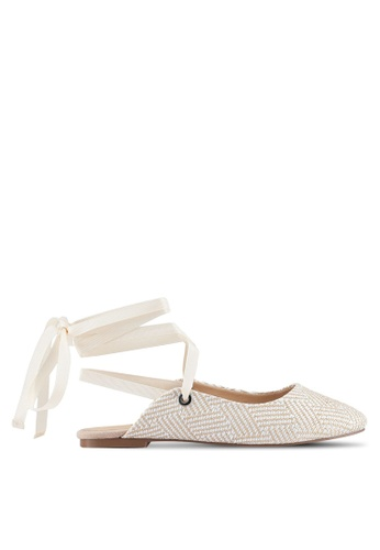 ZALORA 米褐色 Printed Detail Flats 8ACBASHDFBBC7AGS_1