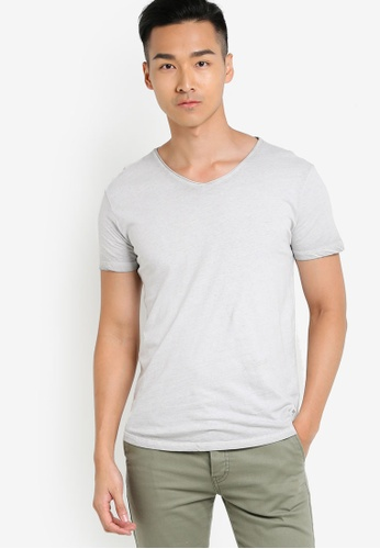 !Solid grey Hako V-Neck T-Shirt SO701AA08WPJMY_1