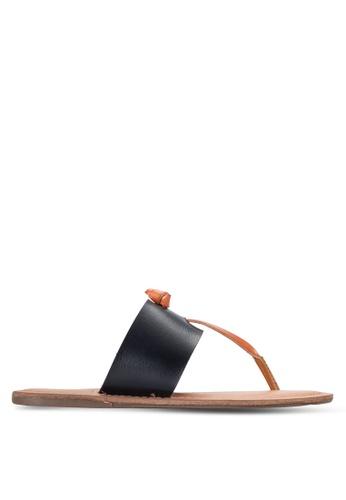Dorothy Perkins black Black Frazer Toepost Sandals DO816SH61RBAMY_1