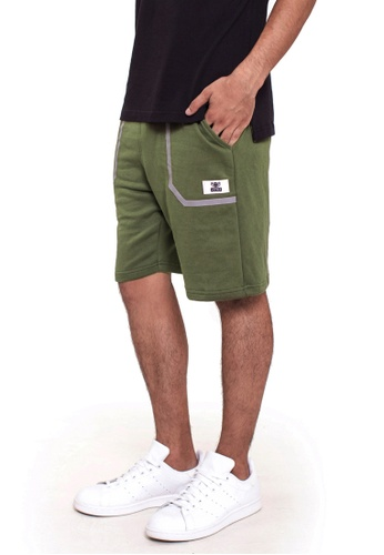 Reoparudo green RPD Reflective Pocket Sweat Shorts (Army Green) 7F406AA9567472GS_1