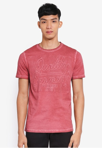 Only & Sons red Gavin Embossed Short Sleeve Tee A4447AA40F4C5DGS_1