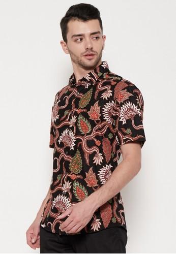 ODZA CLASSIC red and brown Odza Classic Kemeja Batik Slimfit Pria Lengan Pendek Maroon Cokelat 01E2FAA5E335D4GS_1