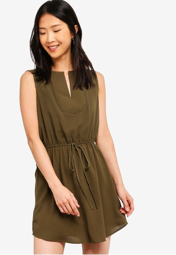 ZALORA BASICS green Basic Tie Waist Bib Front Dress C8FFDAAF093B50GS_1