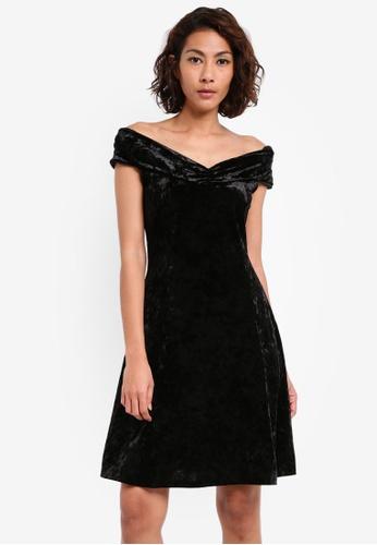 Dorothy Perkins black Black Velvet Bardot Dress DO816AA0SKRVMY_1