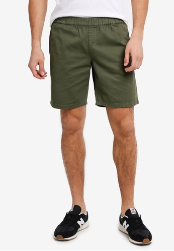 "ZALORA green 6"" ELASTIC WAIST BAND CHINO SHORTS EF72DAA40B8B01GS_1"