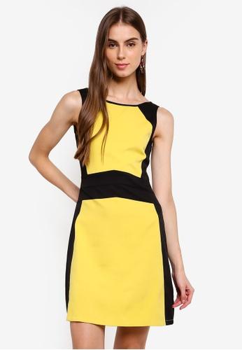 ZALORA 黑色 and 黃色 撞色無袖V領洋裝 8747AAA8BA1A9DGS_1