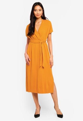 WALG yellow Pleated Cap Sleeve Midi Dress 5C042AA3DEACFFGS_1