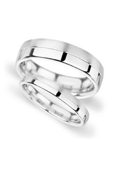 Mike Couple/Wedding Ring