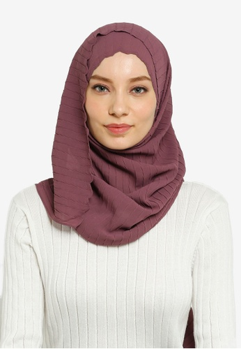 Hijabii red Lily Textured Chiffon Scarf in Light Maroon 282B5AA0569B2DGS_1