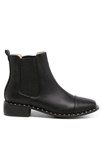 Twenty Eight Shoes 黑色 金屬釘圍邊短靴813-2 TW446SH62BQFHK_1