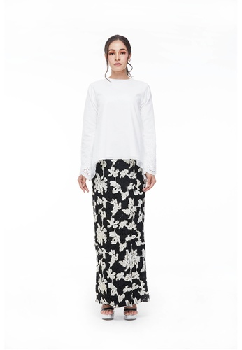 Maisha Kurung Kedah Set in Black and White from CANGKUK in Black and White