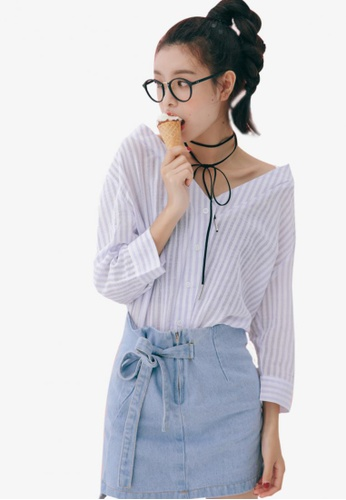 Shopsfashion white and blue Open V-Necked Shirt SH656AA33MAWSG_1