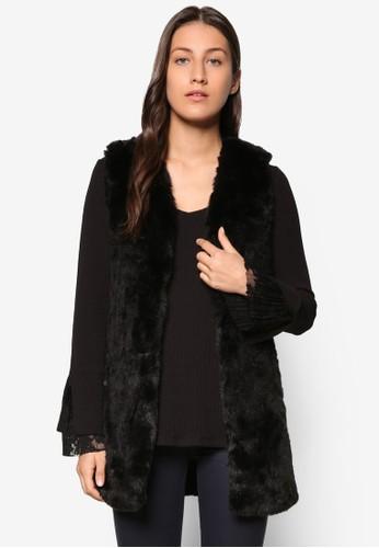 Collection 人造毛皮無袖外套、 服飾、 夾克 & 大衣ZALORACollection人造毛皮無袖外套最新折價