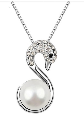 LOVENGIFTS white Pearl Swan Pendant Necklace LO429AC0RW6QMY_1