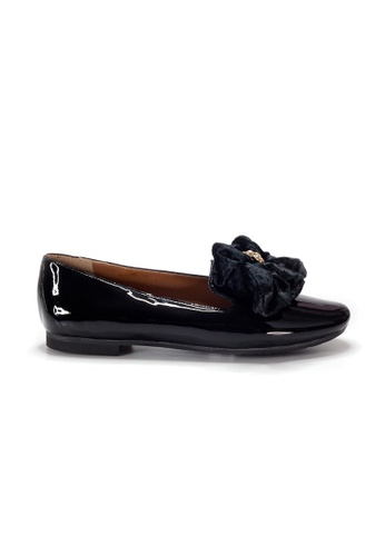 Shu Talk 黑色 LeccaLecca 漆皮蝴蝶平底鞋 8D563SH5AA71C8GS_1