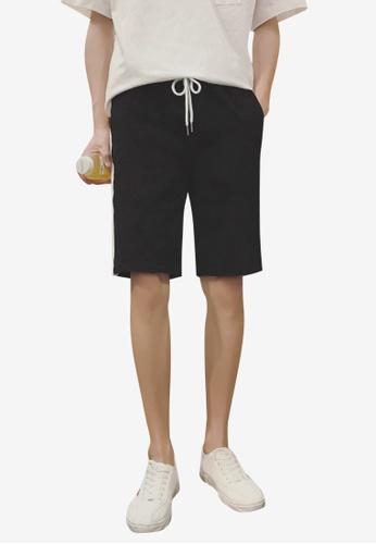 hk-ehunter black Men Embroidery Shorts 9B101AAA46C6BDGS_1